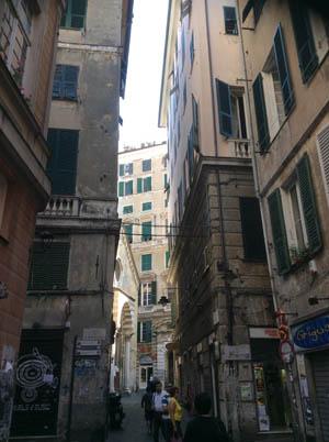ジェノヴァの路地裏歩き