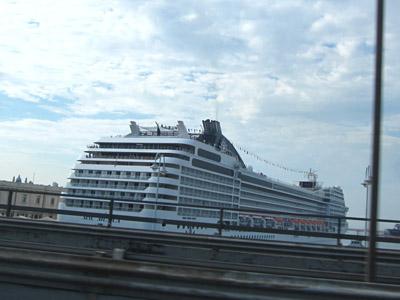 ジェノバの豪華客船