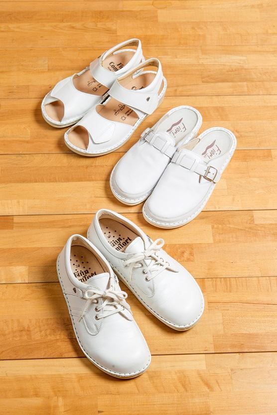 足が痛くならない、オーダーメイド靴。看護師、介護士さんが履く、ナースシューズ、ナースサンダル、看護師靴