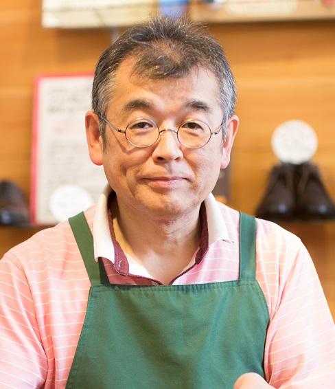 岐阜県生まれのシューフィッター 外反母趾、タコ、ウオノメ、巻爪、足の裏が痛い、土踏まずが痛い、など足と靴の悩みにお答えします。 愛知、岐阜、三重、長野、名古屋の皆様のお役にたちたいです。