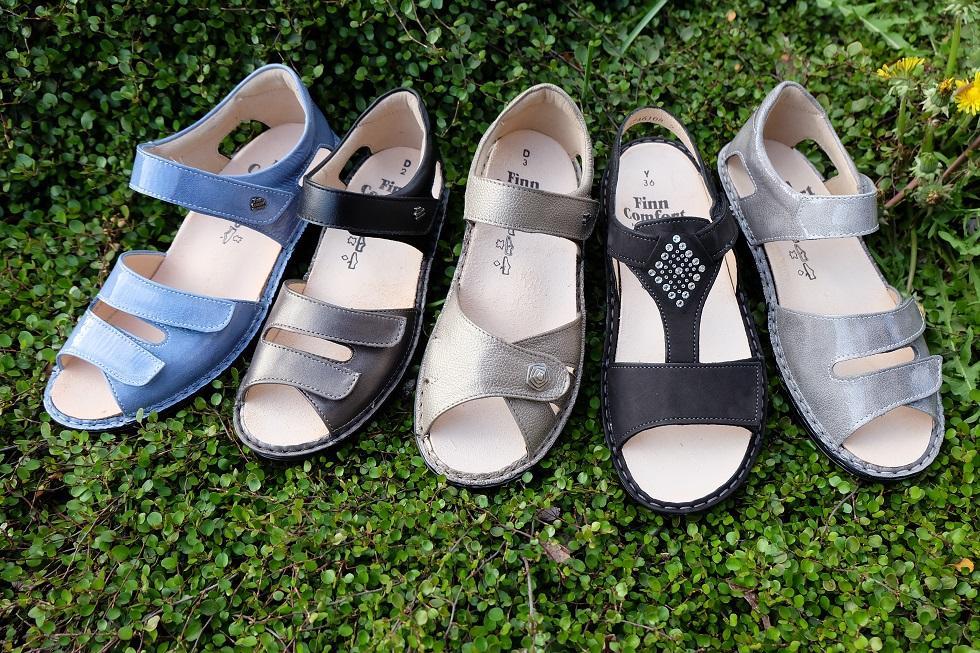 ウォーキング靴みたいに、どこまでも歩けるサンダル、オシャレでラクなサンダル。フィンコンフォートのサンダル。岐阜県の上級シューフィッターが足を測って、相談しながら、足に合う靴やサンダルをご提案。夏に履くサンダルは楽で涼しくて、履きやすくて、靴ずれの心配が無くて長く歩け、オシャレなシューフィッターおススメの物があります。土踏まずをシッカリと支えて快適。足の裏も痛くありません。外反母趾にも優しい。巻爪で痛い方、外反母趾の方、タコ、ウオノメ、モートン病などで痛い方も、中敷きやインソールで足に合わせます。