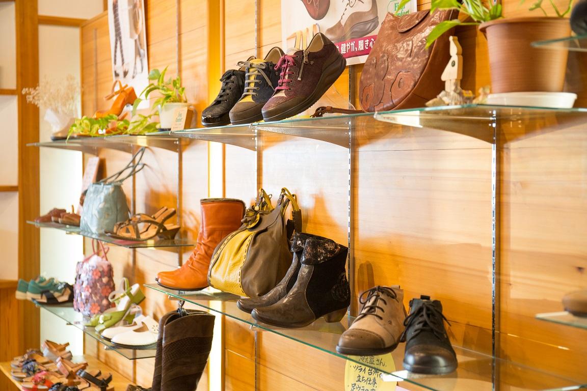 岐阜県 愛知県 名古屋市 シューフィッター三喜屋靴店 足が痛い人の靴屋。ブーツ、ウォーキング靴、バッグ