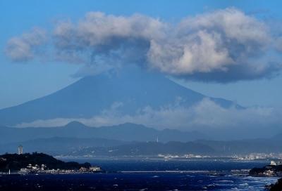 披露山にて富士