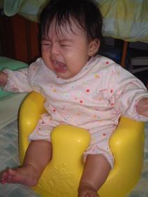 バンボベビーソファ泣き