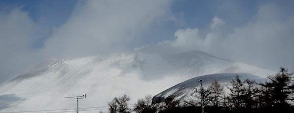 浅間山雪煙