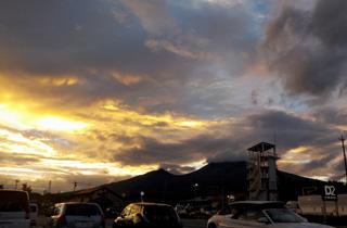 台風一過の夕空