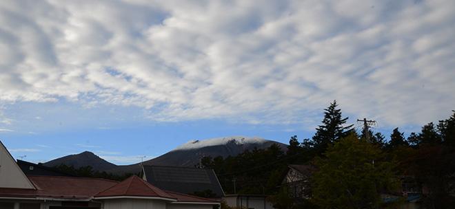 20201018浅間山初冠雪