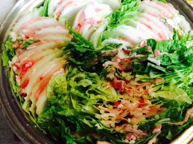 豚肉と白菜を重ねたかんたん鍋
