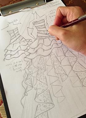 理想のウェディングドレスを叶えるデザイン画