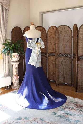 着物の帯を使用したドレス