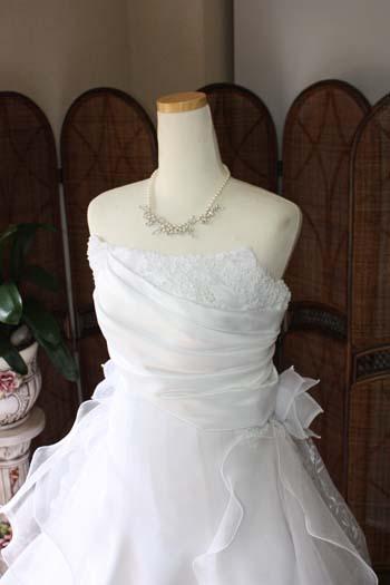 上半身デザイン アシンメトリーデコルテ ドレス