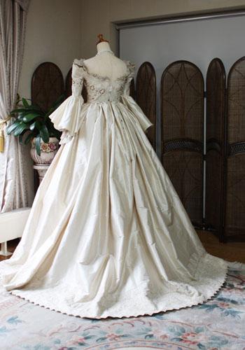 アンティーク風のウェディングドレス オーダーメイド