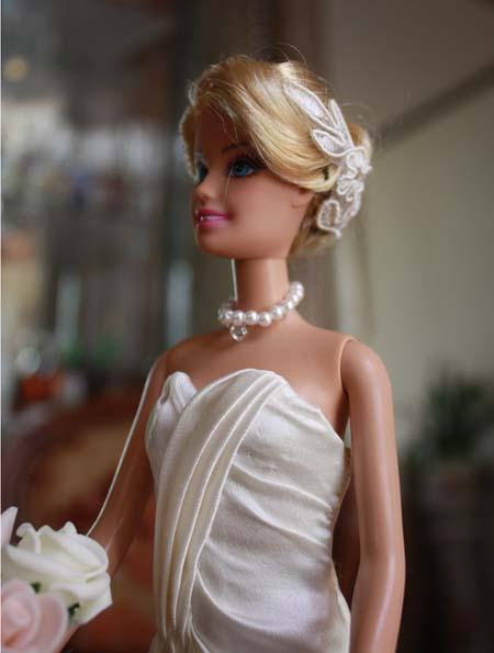 ミニチュア ウェディングドレス バービーサイズ