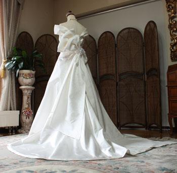 バックスタイル ウェディングドレス