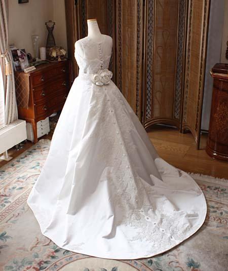 シルク ウェディングドレス バックスタイル