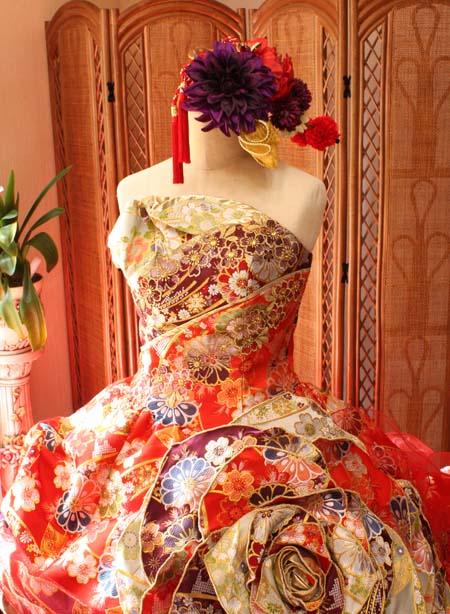 お色直しカラードレス