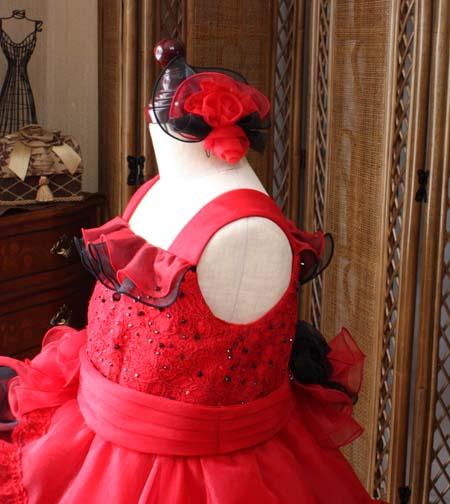 ドレスに合わせた子供のヘッドドレス