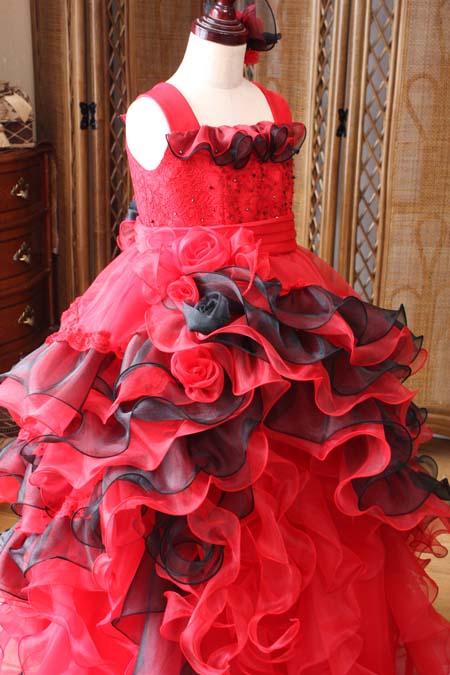 アシンメトリーデザインの子供用ドレス