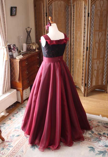 ドレスの後ろ姿 お客様のドレス