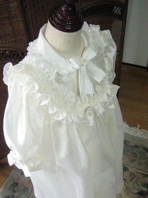 可愛らしいベビードレス