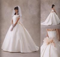 プリンセスライン バッスルスタイルウェディングドレス