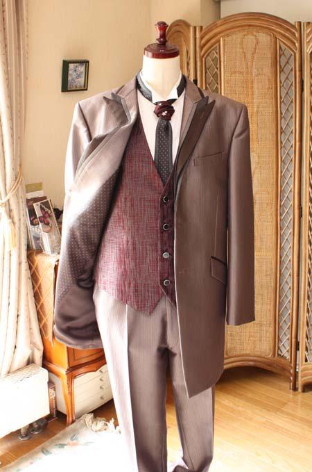 花婿の結婚式衣装コーディネート