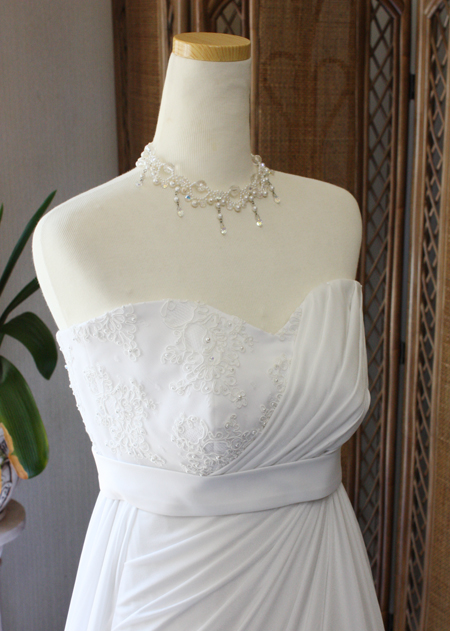 スウィートハートラインのドレス