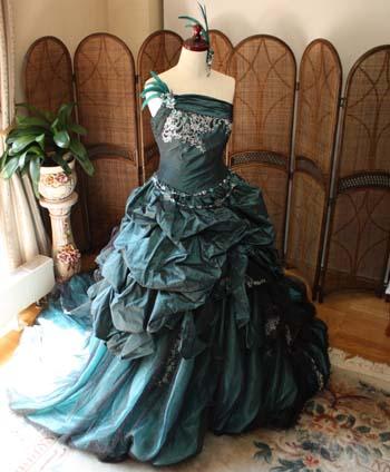 結婚式のお色直しドレス