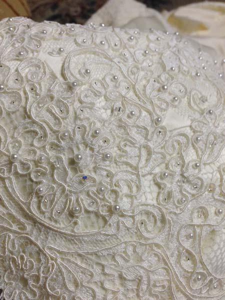 日本で作るウェディングドレス会社メタモールフォーゼ