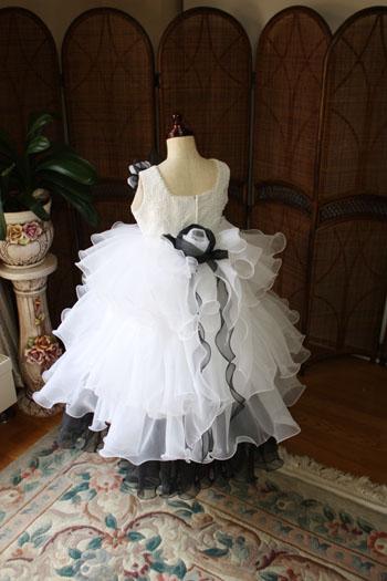 人気の子供用ドレス