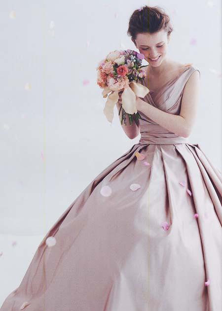 カラードレス。シャンパン、ブラウンのお色直しドレス