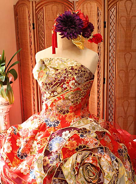 インパクトを与えるお色直しドレス