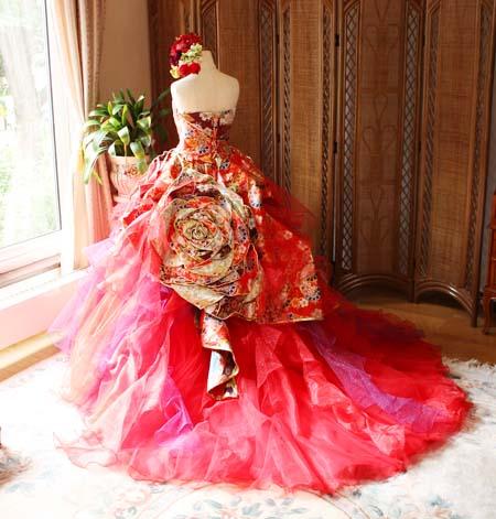 モード系着物ウェディングドレス。レッドカラードレス。