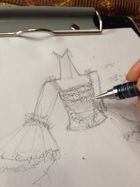 マリーアントワネットイメージのウェディングドレス