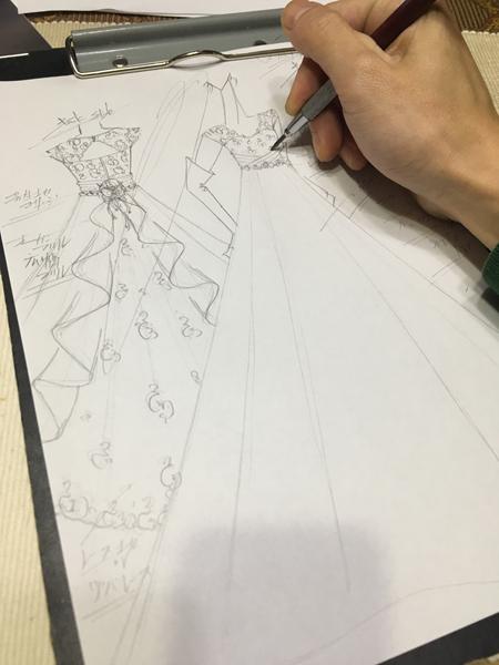 ウェディングドレスのオーダーメイド 札幌市の花嫁様ドレスの立案