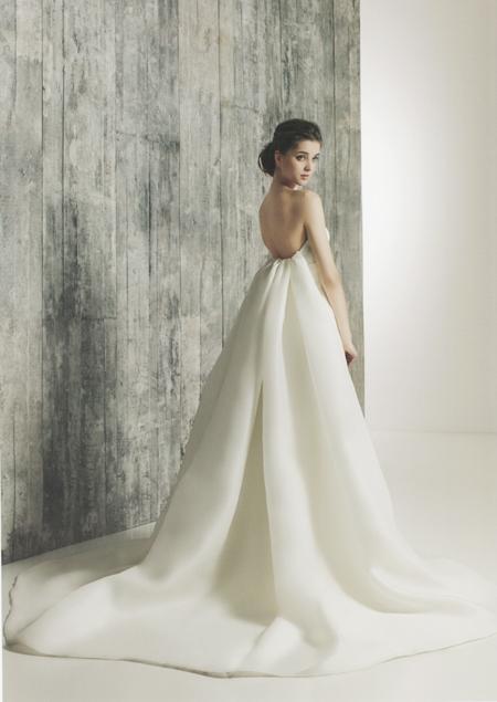 シルク素材 ウェディングドレス