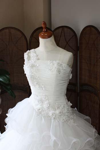 ウェディングドレス ワンショルダー デザイン
