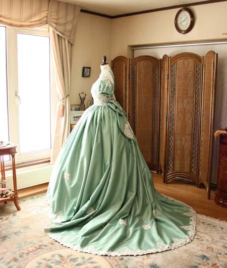 お色直しドレス カラードレス 後ろ姿