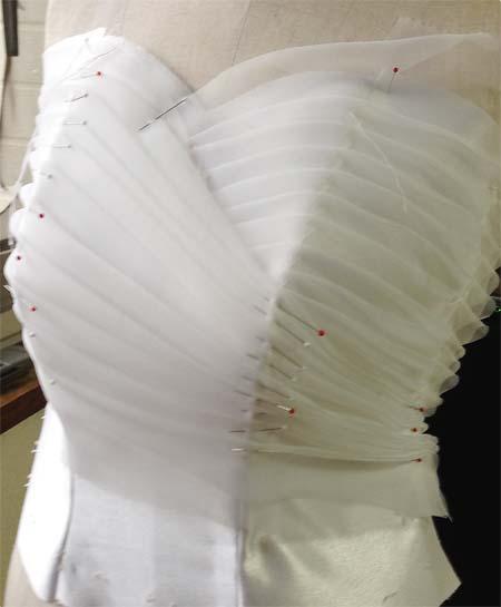 ハート型のウェディングドレス ビスチェの製作