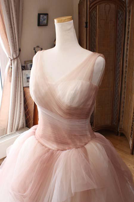 ウェディングドレスのうぇすとラインを修正