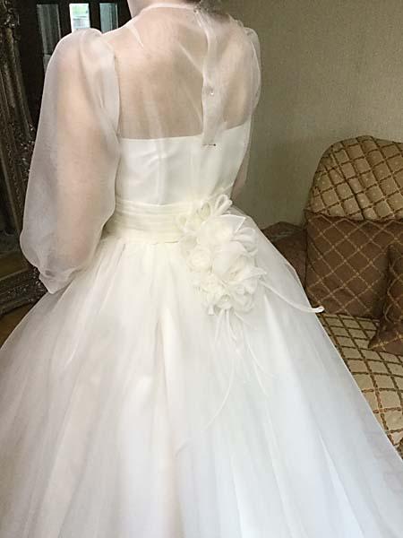 ウェディングドレスの本仮縫と最終フィッティング
