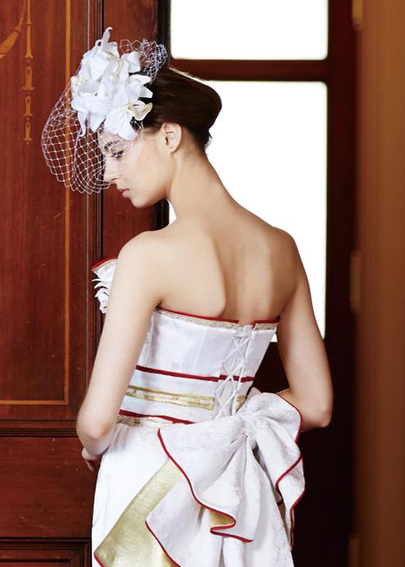 和柄モチーフのリボン。和装の帯を連想するようなイメージ