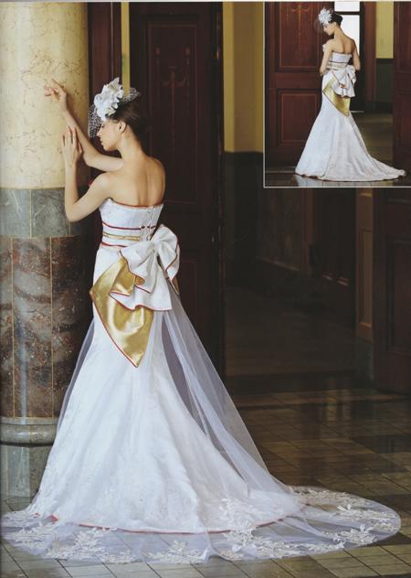 マーメイドドレス。バックスタイル。着物柄。