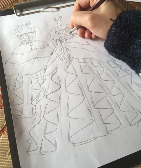 お客様からのヒヤリングから描くドレスのデザイン画