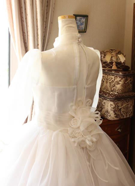 ウェディングドレスのコサージュ シルク