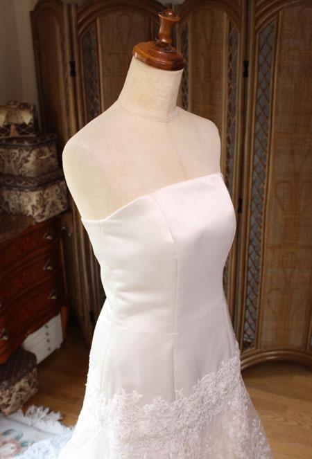 ウェディングドレスのトップスのサイズ直し