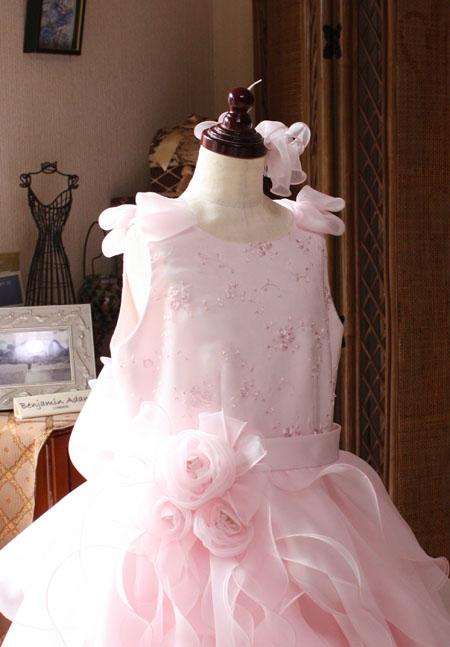 子供用ドレスの上半身デザイン