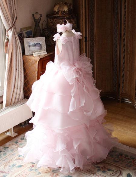 ライトピンクのベルラインドレス
