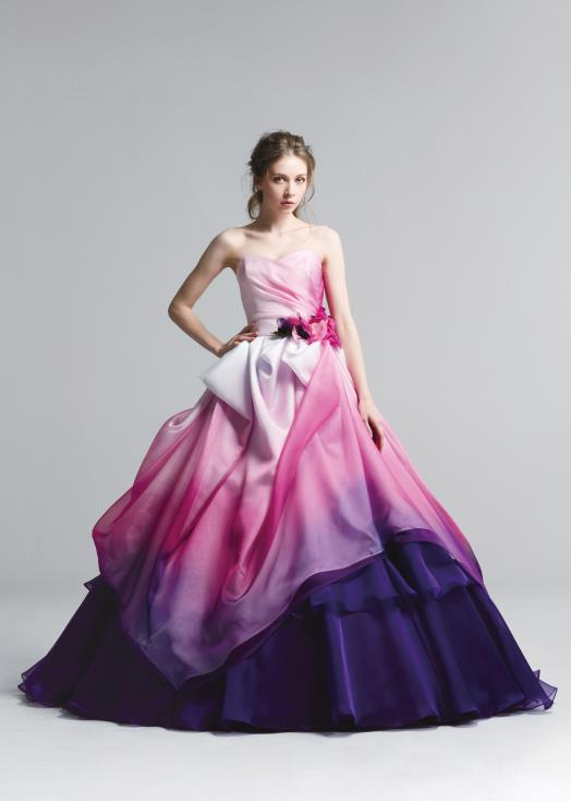 チェリーピンクのカクテルドレス