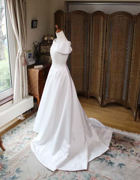 プリンセスラインのウェディングドレス
